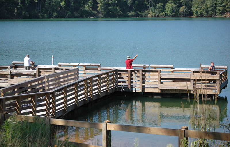 New lake james pier attracts both fish and fishermen for Lake james nc fishing