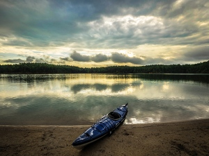 Much of the lake shoreline is steep but there are scattered beach areas perfect for landing boats, kayaks and canoes.