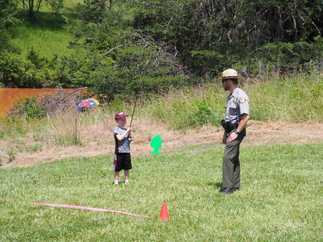 Ranger and child fishing game
